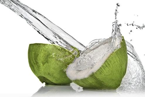 agua-de-coco-refrescante